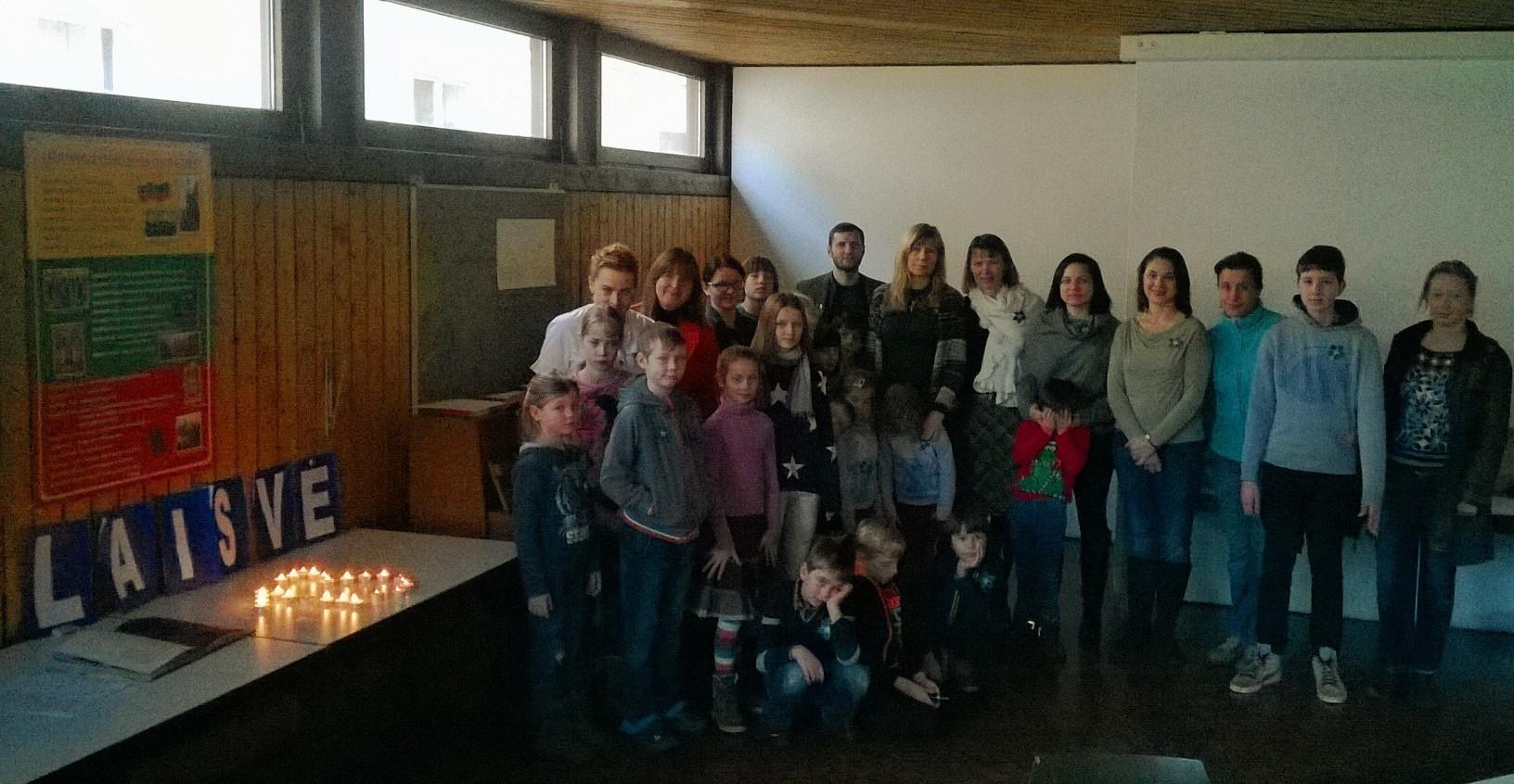 """Laisvės gynėjų dienos paminėjimas lituanistinėje Štutgarto mokyklėlėje """"Traukinukas"""""""
